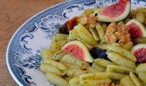Gnocchetti sardi au Pesto, Figues fraîches et Noix