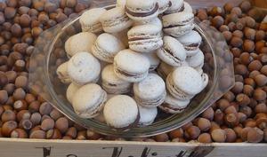 Macarons noisette ganache chocolat au lait praliné