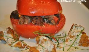 tomate confite aux girolles et aux foies de volaille