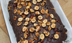 Brownie épicé aux noisettes croquantes