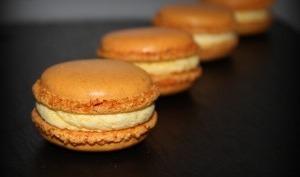 Macarons ganache safranée et crémeux mangue