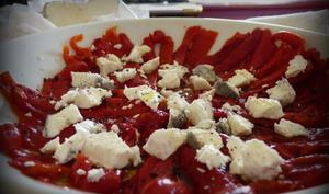 Poivrons en salade et neige de fromage de chèvre