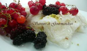 Güllaç à la pistache et aux fruits rouges