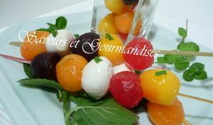 Brochettes multicolores.
