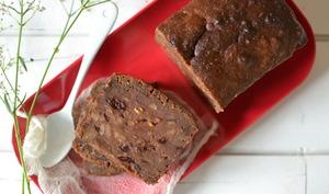 Gâteau aux noix, cranberries et betterave