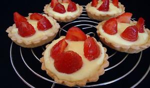 tartelettes aux fraises, crème pâtissière au basilic