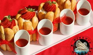 Charlottes aux fraises individuelles