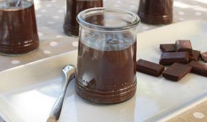 Petits pots de crème au chocolat et fève tonka
