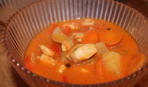 Soupe de poulet à la tomate