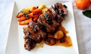 Magrets de canard, carottes et navets caramélisés au miel et au jus de clémentine, cranberries et abricots