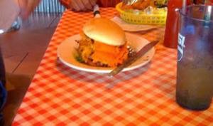 Hamburger à la dinde, citrouille, sauce canneberge