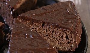 Gâteau moelleux au chocolat et au Baileys