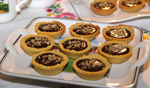 Tartelettes chocolat caramel au beurre salé et Chartreuse verte