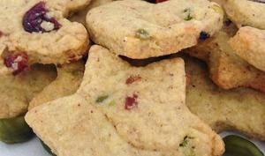 Les biscuits de Noël aux pistaches et cranberries
