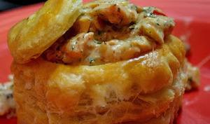 Bouchées à la Reine garnies de mousse de saumon, champignons et son sabayon au Sauternes
