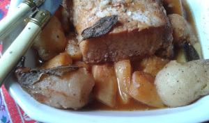 Carré de porc confit au miel et aux épices, panais et poires