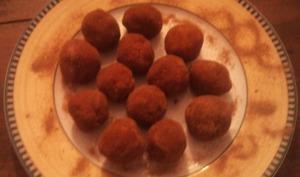 Boules de Noël aux biscuits à la cuillère sans cuisson