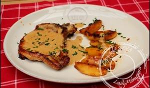 Côtes de porc au cidre et aux pommes poêlées de Trish Deseine
