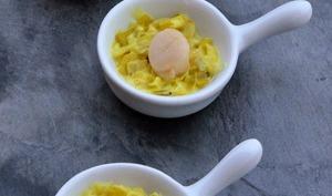 Fondue de poireaux au curcuma et noix de pétoncle, en mini-cassolette