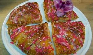 Galette pop tarts avec pâte feuilletée rapide, crème de frangipane, confiture de clémentine, confiture ananas victoria et au chocolat