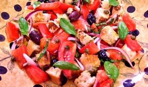 La Panzanella ou Panmolle Salade de tomates au pain rassis