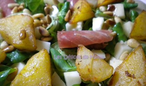 Salade basque au lomo, Ossau-iraty, poires, pignons et pommes de terre sautées