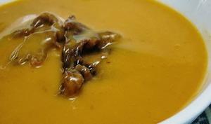 Soupe de haricots blancs, tomates et fines herbes, vegan, slow food