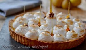 Gouffré breton méringué, pâte sablée aux noisettes