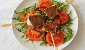 Salade tomates mozzarella panée aux herbes de Provence