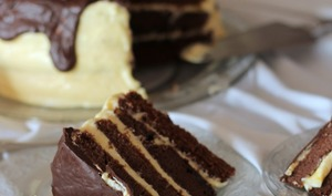 Layer cake chocolat mangue