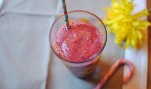 Smoothie aux fruits congelés