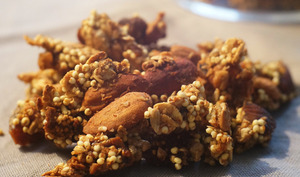 Granola au millet, amandes et figues