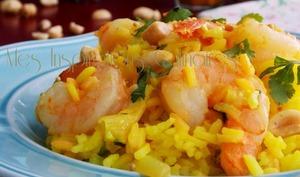Riz pilaf au lait de coco, crevettes et curcuma
