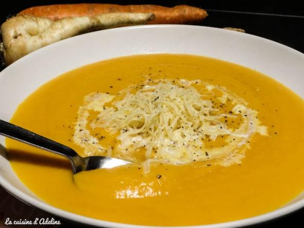 recettes de soupe par la cuisine d 39 adeline velout de carottes et panais soupe de wonton. Black Bedroom Furniture Sets. Home Design Ideas