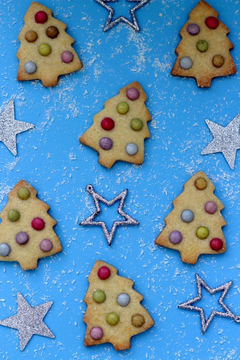 Biscuits Sapin De Noel Aux Smarties Pour Les Enfants Recette Par Amandine Cooking