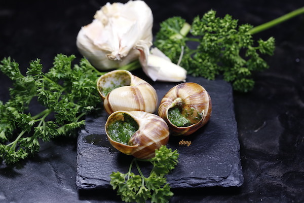recettes de coquilles par pic tout escargots de bourgogne au beurre persill. Black Bedroom Furniture Sets. Home Design Ideas