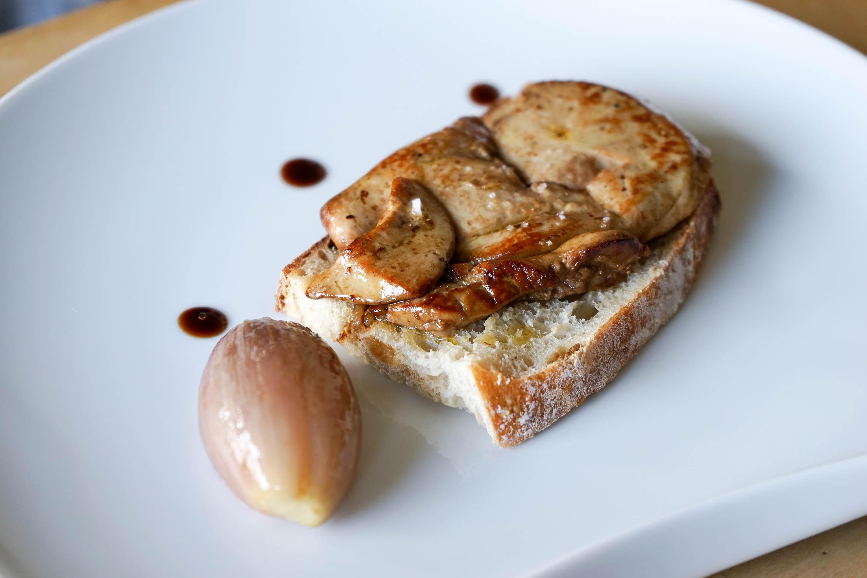 foie gras frais de canard la plancha recette du foie gras cuit la plancha par chef simon. Black Bedroom Furniture Sets. Home Design Ideas