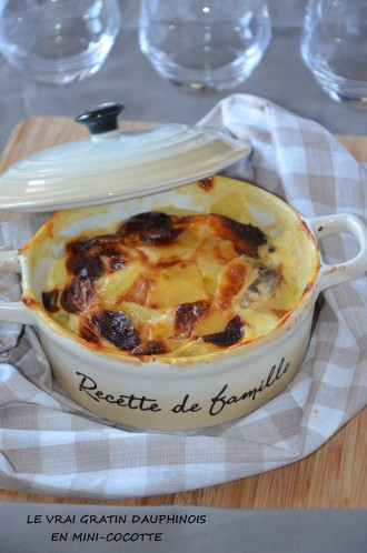 le vrai gratin dauphinois en mini cocotte par sarah. Black Bedroom Furniture Sets. Home Design Ideas