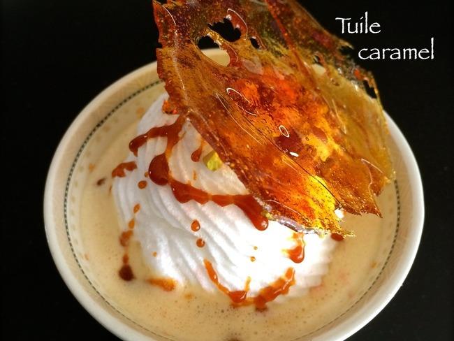 Iles flottantes vanille et tuiles de caramel