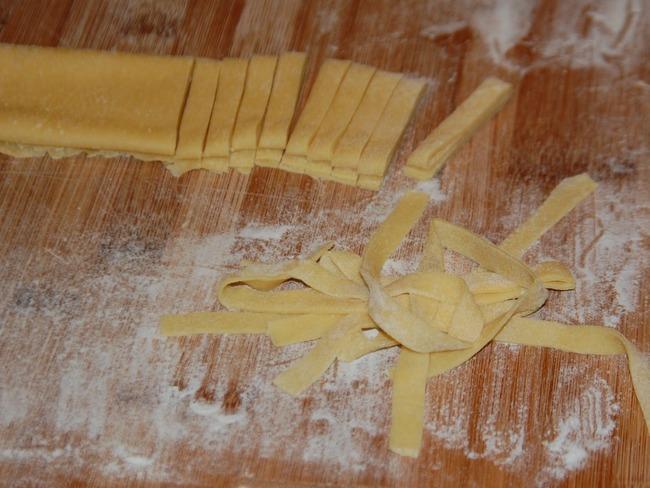 Tagliatelles maison sans machine à pâte