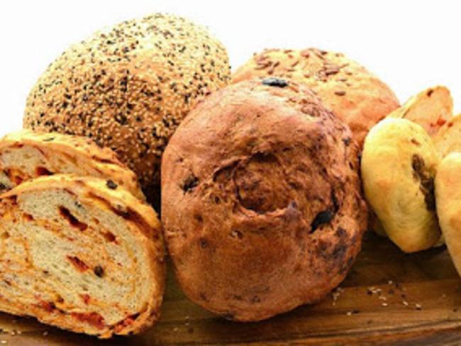 Khobz un pain marocain à la semoule