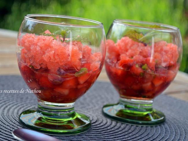 Tartare de fraises à la menthe et son granité