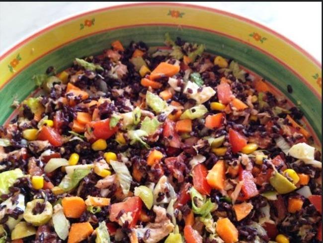 Salade de riz brésilienne