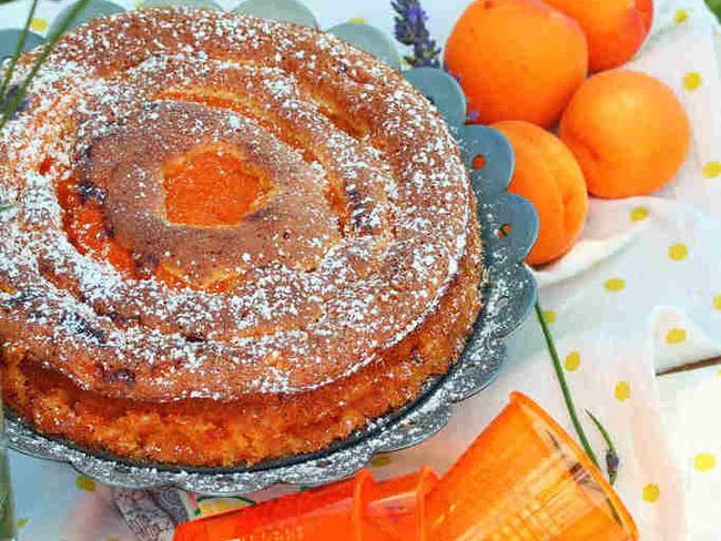 Biscuit à la vanille aux coulis d'abricot à la lavande