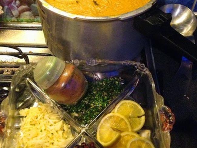 Haleem, une soupe daal à l'agneau, lentilles et blé