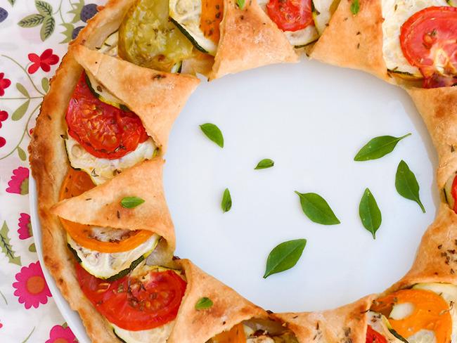Tarte à la tomate, origan et marjolaine