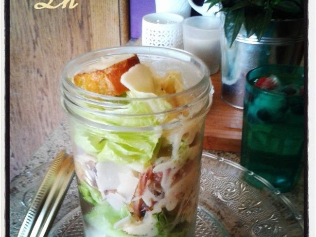 salade Caesar in a Jar , une salade en bocal facile à transporter