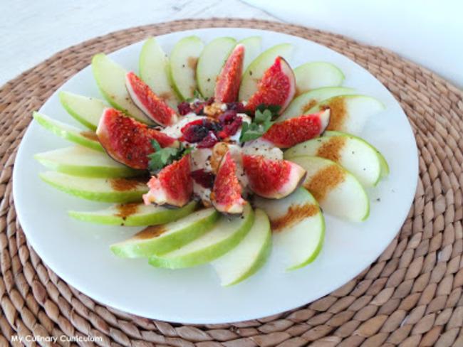 Salade de pommes Granny Smith au cottage cheese et aux figues