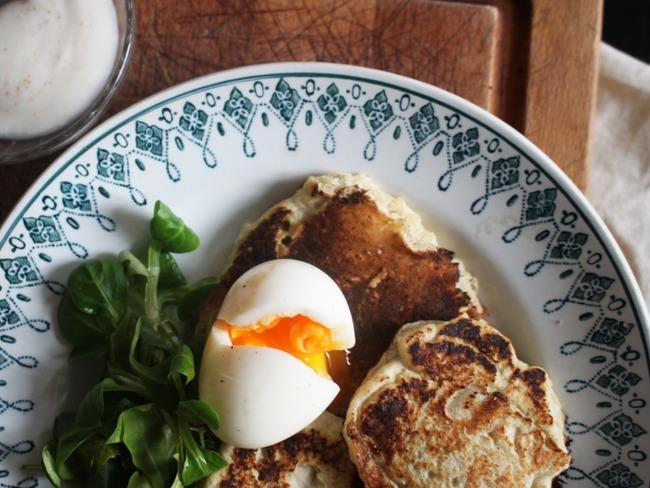 Blinis de topinambour et œuf mollet