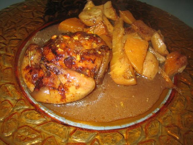 Caille désossée farcie à la volaille, au pain d'épices, zestes de mandarine et Armagnac